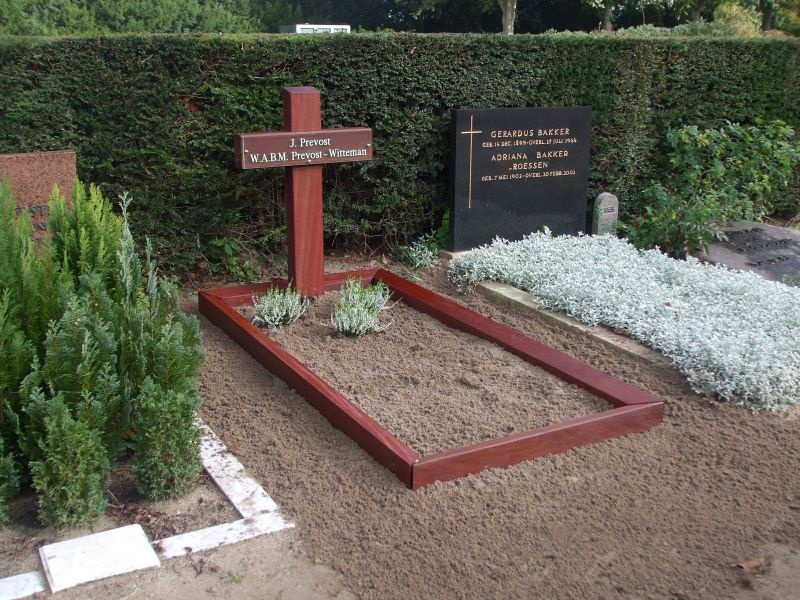 Super Zoekt u een houten kruis voor op een graf? Kijk bij houtenkruis.nl. HW-16